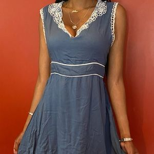 Lord and Taylor dress size large blue & white